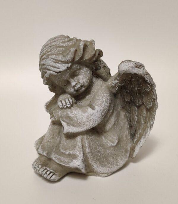OnlyByGrace Siddende engel