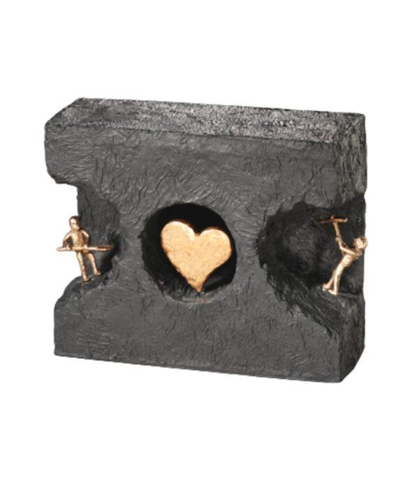 OnlyByGrace-Bronzefigur-At-finde-ind-til-kærligheden