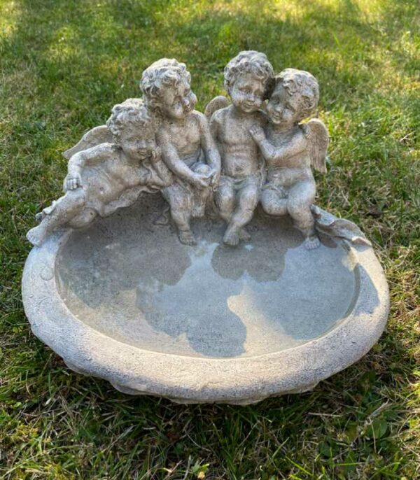 OnlyByGrace Fuglebad med engle antik hvid